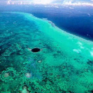 lighthouse_reef_reef_atoll